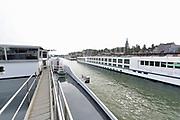 Nederland, Nijmegen, Waal, 21-10-2018Reportage aanboord van de Henri R met schipper Henri Reijmers mbt de problemen voor de binnenvaart vanwege het lage water in de Waal en Rijn.Foto: Flip Franssen