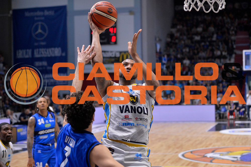 TaShawn Thomas<br /> Vanoli Cremona - Germani Basket Brescia Leonessa<br /> Lega Basket Serie A 2016/2017<br /> Cremona, 09/04/2017<br /> Foto M.Ceretti / Ciamillo - Castoria