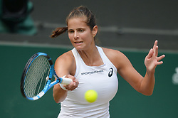 © Licensed to London News Pictures. 12/07/2018. London, UK. Julia Goerges of Germany plays Serena William's of the United States of America in the women's semi-finals round singles draw of the Wimbledon Tennis Championships 2018, at the All England Lawn Tennis and Croquet Club. Photo credit: Ray Tang/LNP