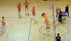 10-05-2011 VOLLEYBAL: TRAINING ORANJE VOLLEYBALVROUWEN: ALMERE<br /> De volleybalsters bereiden zich in Almere voor op nieuwe seizoen / Aanval Robin de Kruijf <br /> ©2011-FotoHoogendoorn.nl