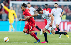 18.05.2016, St. Jakob Park, Basel, SUI, UEFA EL, FC Liverpool vs Sevilla FC, Finale, im Bild Roberto Firmino (FC Liverpool), Grzegorz Krychowiak (FC Sevilla) // Roberto Firmino (FC Liverpool) Grzegorz Krychowiak (FC Sevilla) during the Final Match of the UEFA Europaleague between FC Liverpool and Sevilla FC at the St. Jakob Park in Basel, Switzerland on 2016/05/18. EXPA Pictures © 2016, PhotoCredit: EXPA/ JFK
