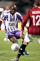 Fotball<br /> Frankrike<br /> Foto: Dppi/Digitalsport<br /> NORWAY ONLY<br /> <br /> FOOTBALL - UEFA CUP 2007/2008 - GROUP STAGE - MATCHDAY 2 - GROUP E - TOULOUSE FC v AC SPARTA PRAHA - 08/11/2007 - ACHILLE EMANA (TOU) / JAN REZEK (PRA)