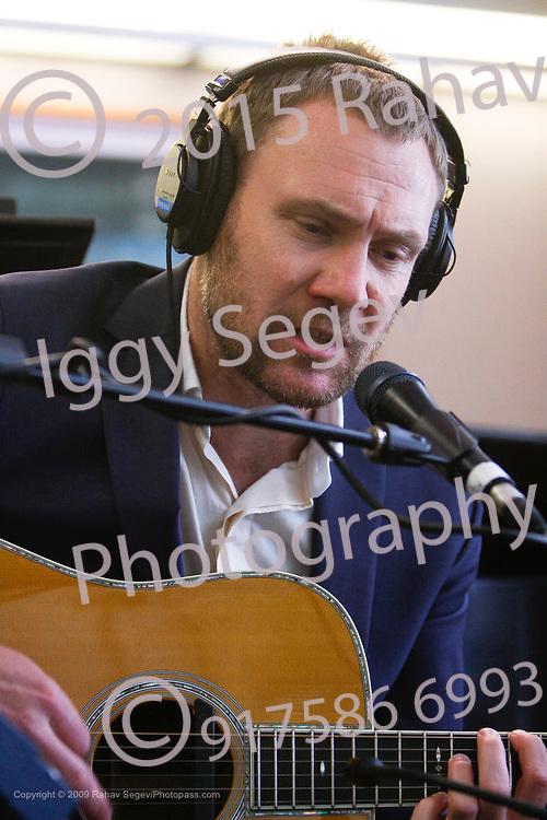 David Gray performing at Sirius/XM Satellite radio on August 17, 2009.