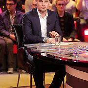 NLD/Hilversum/20120326 - Uitzending van RTL sportprogramma Voetbal international, Wilfred Genee