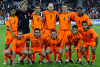 Fotball<br /> Kvalifisering til EM 2004<br /> 11.10.2003<br /> Nederland v Moldova<br /> Foto: Digitalsport<br /> Norway Only<br /> <br /> eindhoven 11-10-2003 , ek kwalificatie nederland - moldavie 5-0. achter: reiziger - van der sar - cocu - stam - ooijer en kluivert. voor: van der meyde - overmars - sneijder  - van der vaart en van bronckhorst