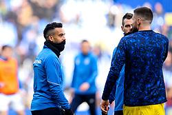 Theo Walcott of Everton speaks with Olivier Giroud of Chelsea  - Mandatory by-line: Robbie Stephenson/JMP - 17/03/2019 - FOOTBALL - Goodison Park - Liverpool, England - Everton v Chelsea - Premier League