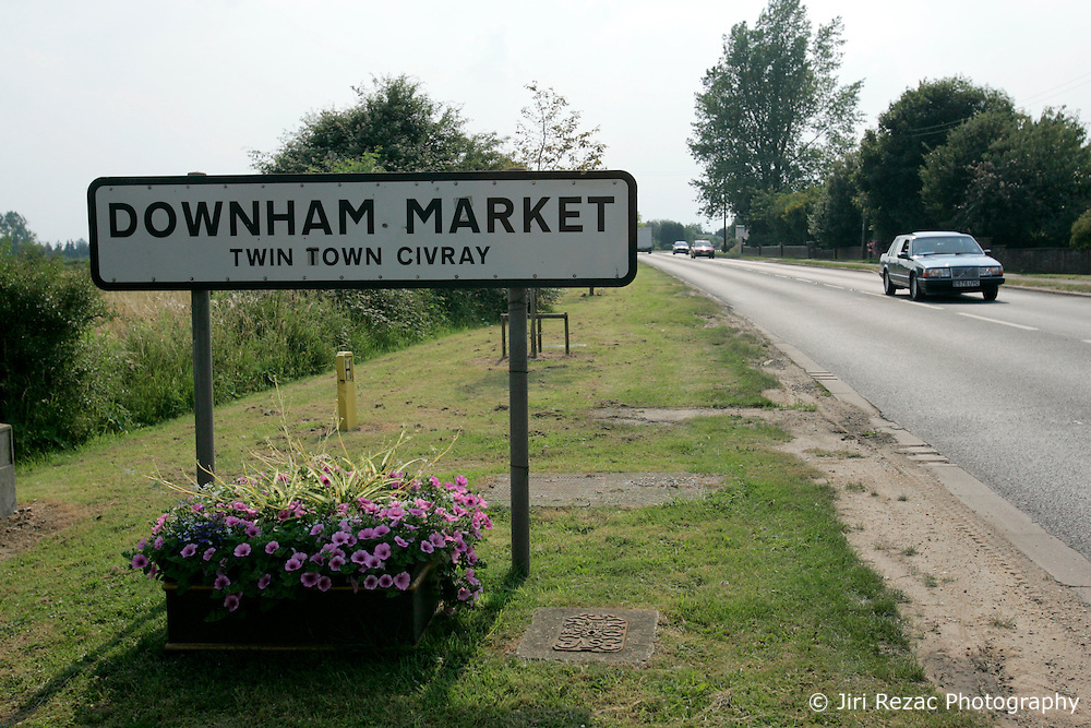 UK ENGLAND NORFOLK SWAFFHAM 14JUL05 - Town sign of Downham Market in Norfolk, the second home of Micheal Carroll, a 22-year old binman who turned a millionnaire by winning £ 9.7 million in the National Lottery. The self-styled 'King of Chavs' was recently served with an anti-social behaviour order after driving through Downham Market in Norfolk firing ball bearings from his window.  ..jre/Photo by Jiri Rezac..© Jiri Rezac 2005..Contact: +44 (0) 7050 110 417.Mobile:  +44 (0) 7801 337 683.Office:  +44 (0) 20 8968 9635..Email:   jiri@jirirezac.com.Web:    www.jirirezac.com