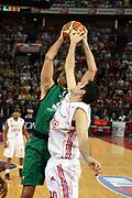 DESCRIZIONE : Roma Lega A1 2006-07 Playoff Semifinale Gara 4 Lottomatica Virtus Roma Montepaschi Siena<br />GIOCATORE : Shaun Stonerook Ognjen Askrabic<br />SQUADRA : Lottomatica Virtus Roma<br />EVENTO : Campionato Lega A1 2006-2007 Playoff Semifinale Gara 4<br />GARA : Lottomatica Virtus Roma Montepaschi Siena<br />DATA : 07/06/2007 <br />CATEGORIA : Rimbalzo Stoppata<br />SPORT : Pallacanestro<br />AUTORE : Agenzia Ciamillo-Castoria/G.Ciamillo