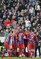 Fotball<br /> Tyskland<br /> 07.02.2015<br /> Foto: Witters/Digitalsport<br /> NORWAY ONLY<br /> <br /> 0:2 Jubel v.l. Juan Bernat, Arjen Robben, Bastian Schweinsteiger, Torschuetze David Alaba, Xabi Alonso, Robert Lewandowski (Muenchen)<br /> <br /> Fussball Bundesliga, VfB Stuttgart - FC Bayern München