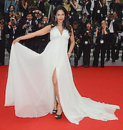 Mallika Sherawat Attacked In Paris