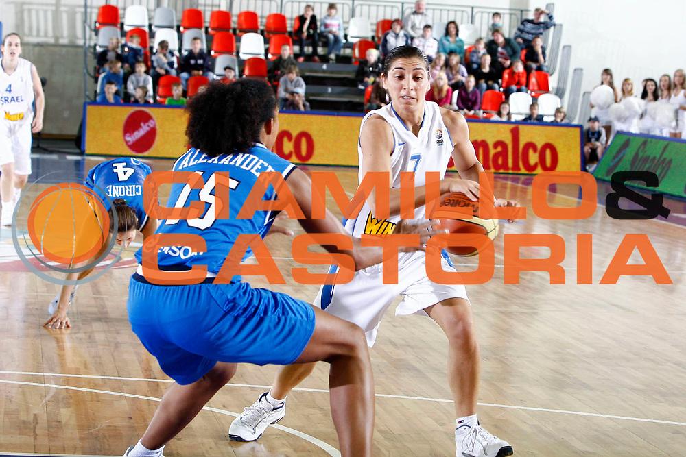 DESCRIZIONE : Valmiera Latvia Lettonia Eurobasket Women 2009 Italia Israele Italy Israel<br /> GIOCATORE : Liron Cohen<br /> SQUADRA : Israele Israel<br /> EVENTO : Eurobasket Women 2009 Campionati Europei Donne 2009 <br /> GARA : Italia Israele Italy Israel<br /> DATA : 08/06/2009 <br /> CATEGORIA : PALLEGGIO<br /> SPORT : Pallacanestro <br /> AUTORE : Agenzia Ciamillo-Castoria/E.Castoria