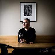 G&Eacute;RARD-PHILIPPE MABILLARD, DIRECTEUR DES VINS DU VALAIS ET AUTEUR DU LIVRE &quot;Autour d'un verre de vin<br /> Wine &amp; Friends &quot;<br /> LE 16 FEVRIER A SAILLON VS<br /> (OLIVIER MAIRE)