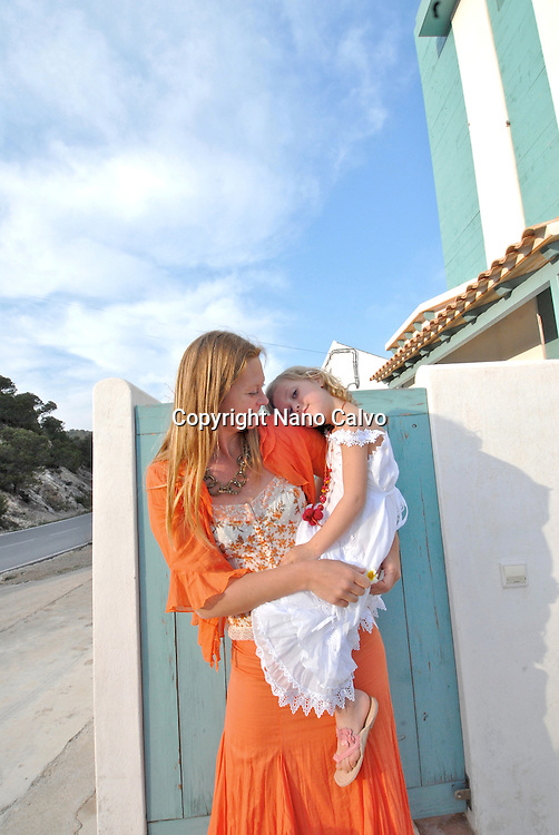 Model Released: Portrait of Mitsou and Eva in ibizan clothes from AdLibitum, Ibiza