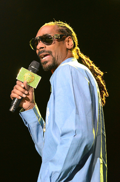 BETHLEHEM, PA - AUGUST 15:  Snoop Dogg performs at Sands Steel Stage at PNC Plaza on August 15, 2015 in Bethlehem, Pennsylvania.  (Photo by Lisa Lake/Getty Images)