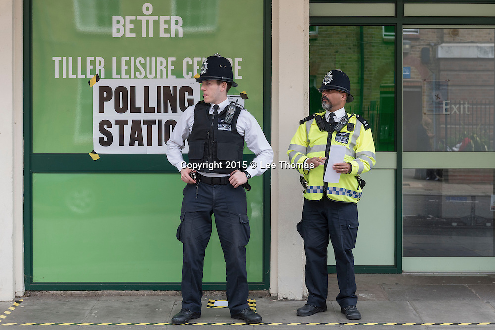 Tiller Leisure Centre, Tiller Road, London, UK. 7th May 2015. Hundreds of police have been deployed at polling stations in Tower Hamlets. Officers are in place at every polling station in the east London borough, which has recently been rocked by electoral fraud scandal. Pictured: Polling Station at Tiller Leisure Centre, Tiller Road, London. // Lee Thomas, Flat 47a Park East Building, Bow Quarter, London, E3 2UT. Tel. 07784142973. Email: leepthomas@gmail.com www.leept.co.uk (0000635435)