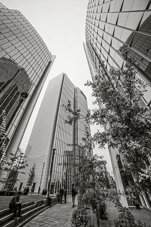 FOT&Oacute;GRAFO: Jaime Villaseca ///<br /> <br /> Edificios de oficinas en Las Condes.