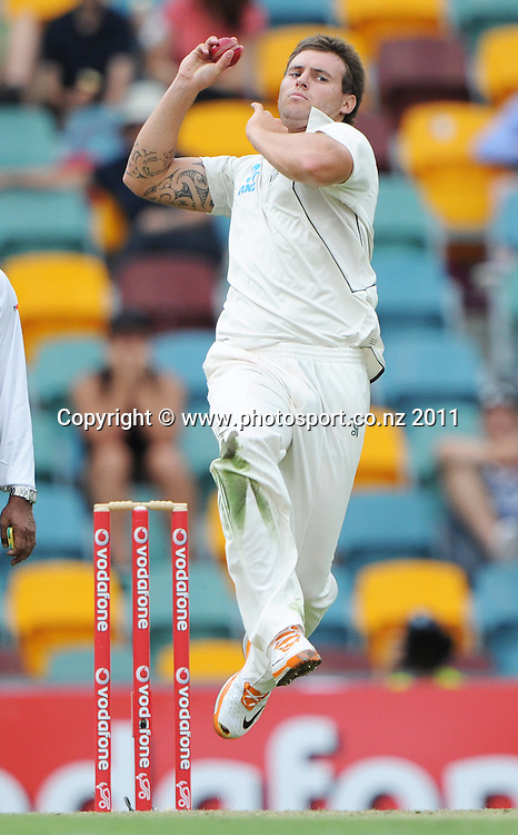 New Zealand bowler Doug Bracewell on Day 2 of the first cricket test between Australia and New Zealand Black Caps at the Gabba in Brisbane, Thursday 1 December 2011. Photo: Andrew Cornaga/Photosport.co.nz