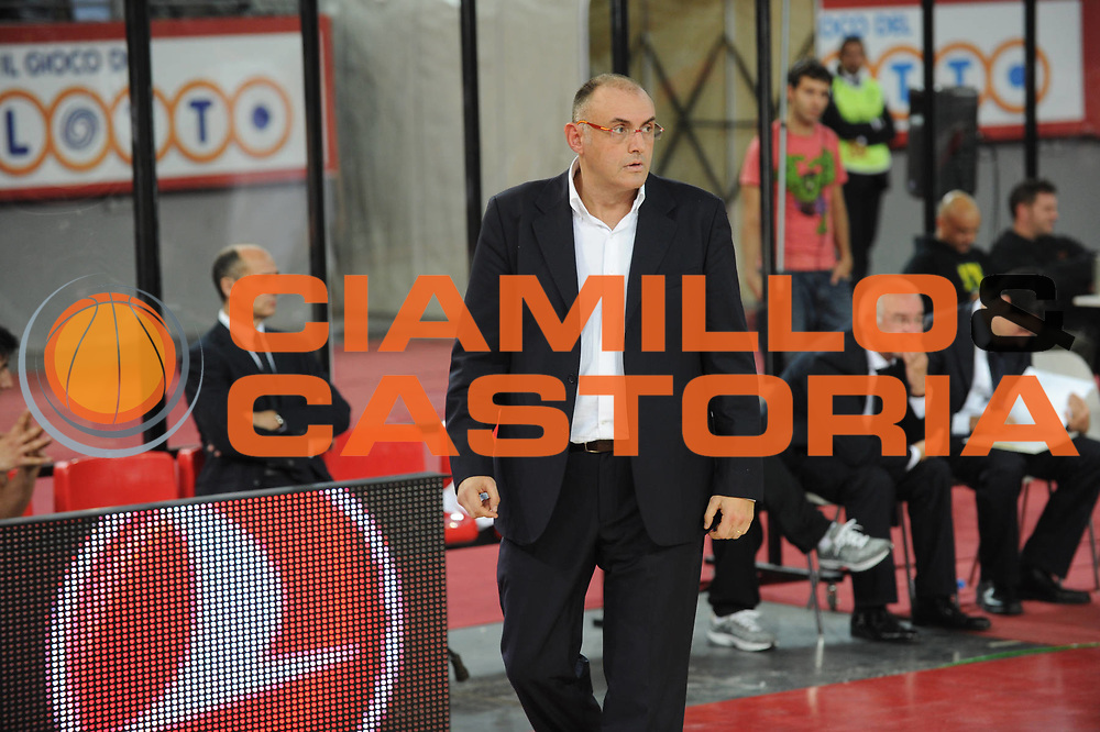DESCRIZIONE : Roma Eurolega 2010-11 Lottomatica Virtus Roma Real Madrid<br /> GIOCATORE : Matteo Boniciolli Coach<br /> SQUADRA : Euroleague<br /> EVENTO : Eurolega 2010-2011<br /> GARA :  Lottamtica Virtus Roma Real Madrid<br /> DATA : 04/11/2010<br /> CATEGORIA : Ritratto<br /> SPORT : Pallacanestro <br /> AUTORE : Agenzia Ciamillo-Castoria/GiulioCiamillo<br /> Galleria : Eurolega 2010-2011<br /> Fotonotizia : Roma Eurolega Euroleague 2010-11 Lottomatica Virtus Roma Real Madrid<br /> Predefinita :
