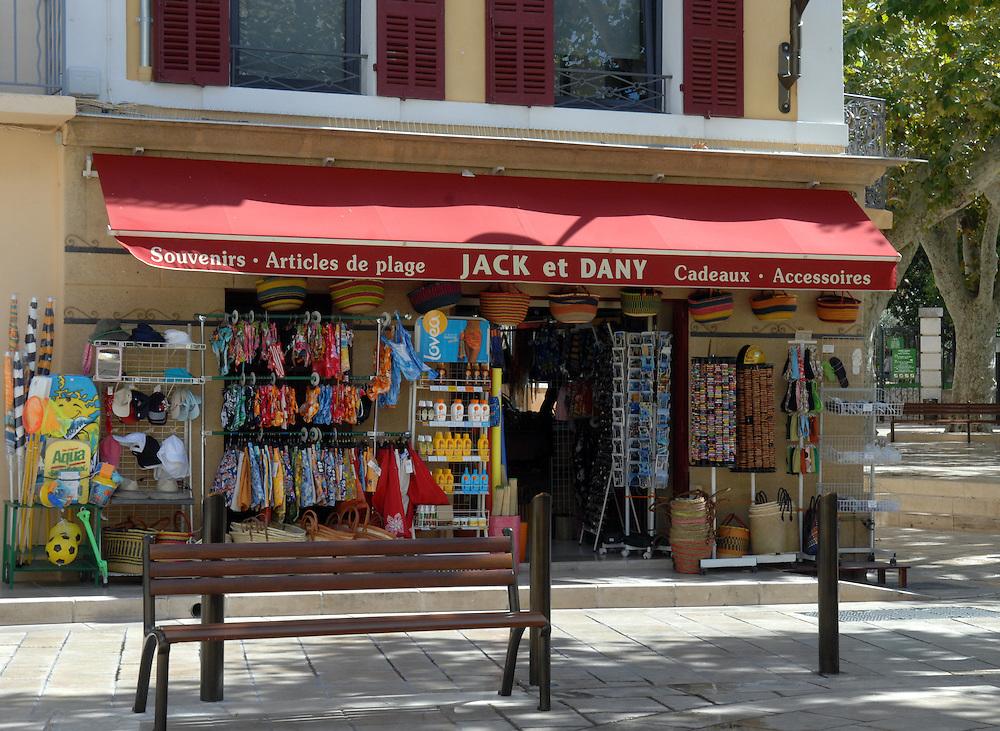Cassis, souvenir shop, waterfront, harbour, coastal Mediterranean, France, Wednesday, September 26, 2007. Credit:SNPA / Ross Setford