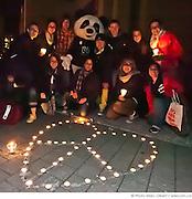 """""""Une heure pour la Terre!"""", 5e anniversaire. Eteignez vos lumières pour affirmer votre appui à la lutte contre le réchauffement climatique. WWF-Canada /  Esplanade de la place des Arts / Montreal / Canada / 2012-03-31, © Photo Marc Gibert / adecom.ca"""
