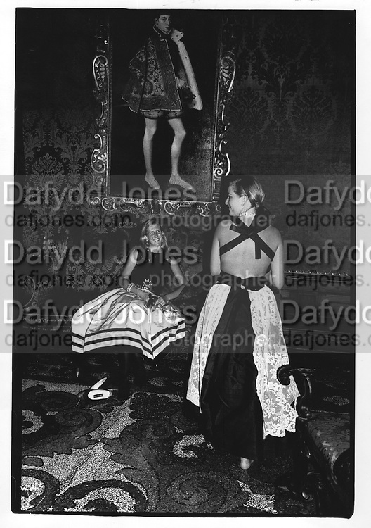 Girls at the Venice Ball 1991. ONE TIME USE ONLY - DO NOT ARCHIVE  © Copyright Photograph by Dafydd Jones 66 Stockwell Park Rd. London SW9 0DA Tel 020 7733 0108 www.dafjones.com
