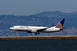 Boeing 737-924(ER) (N67845) operated by United Airlines landing at to San Francisco International Airport (KSFO), San Francisco, California, United States of America