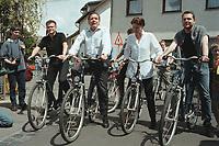 """16 JUL 1999 - BONN, GERMANY:<br /> Carsten Schneider, MdB, SPD, Gerhard Schröder, SPD, Bundeskanzler, Nina Hauer, MdB, und Michael Roth, MdB, SPD, während der SPD Radtour """"Abschied vom Rhein""""<br /> Gerhard Schroeder, Fed. Chancellor Germany, and some young members of the SPD parliamentary group to a """"Goodbye from Rhine"""" tour with their bikes<br /> IMAGE: 19990716-01/11-14"""
