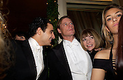 Zac Posen, Shelby Bryan and Anna Wintour, Crillon 2004 Debutante Ball. Crillon Hotel. Paris. 26 November 2004. ONE TIME USE ONLY - DO NOT ARCHIVE  © Copyright Photograph by Dafydd Jones 66 Stockwell Park Rd. London SW9 0DA Tel 020 7733 0108 www.dafjones.com