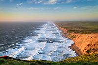 Pacific Oceann surf breaking along Point Reyes Beach, or The Great Beach, Point Reyes National Seashore, California