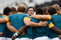 Francois Louw of South Africa looks on in a huddle during the pre-match warm-up - Mandatory byline: Patrick Khachfe/JMP - 07966 386802 - 07/10/2015 - RUGBY UNION - The Stadium, Queen Elizabeth Olympic Park - London, England - South Africa v USA - Rugby World Cup 2015 Pool B.