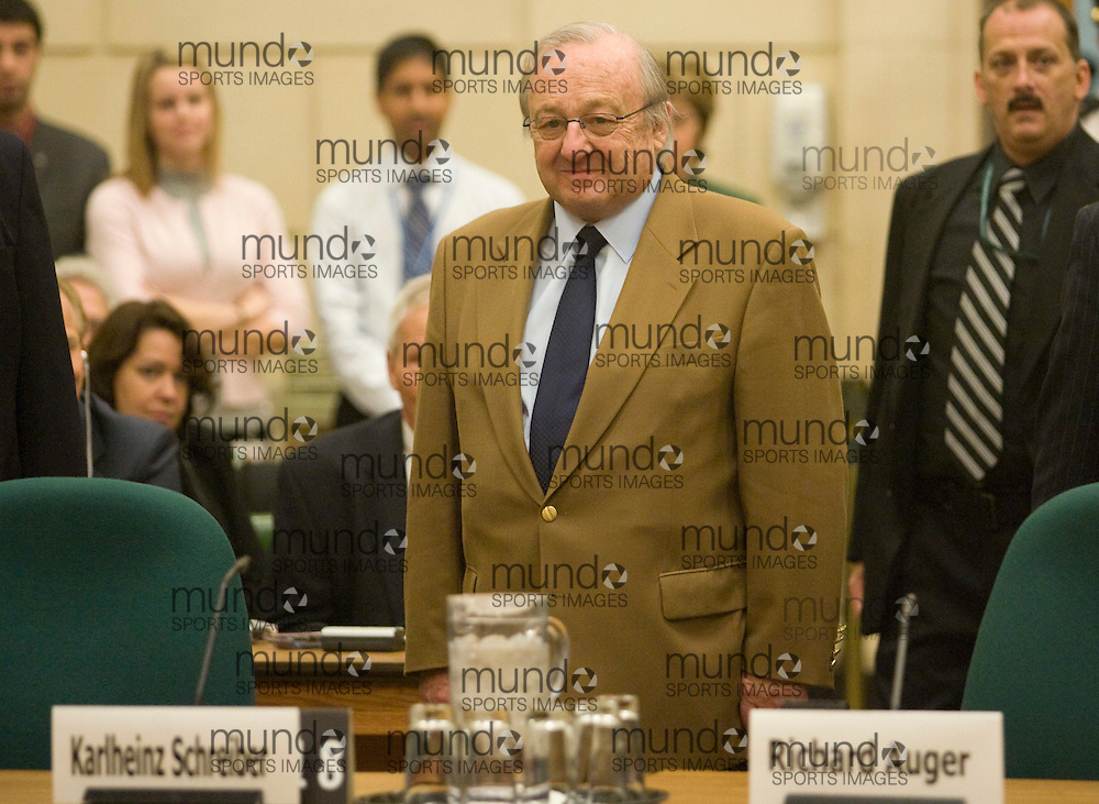 Ottawa, Ontario ---29/11/07--- German-Canadian business man Karlheinz Schreiber arrives to testify in front of the House Ethics committee November 29, 2007 on his role in the Airbus affair involving former Canadian prime minister Brian Mulroney..GEOFF ROBINS AFP