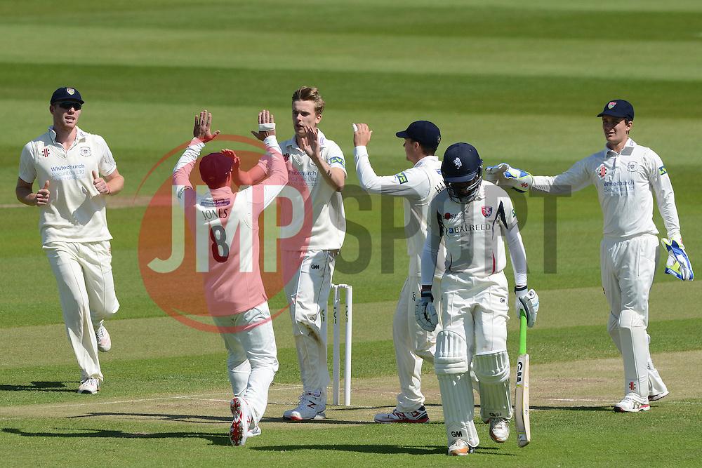 Craig Miles of Gloucestershire celebrates with Geraint Jones as Daniel Bell-Drummond is caught out by Chris Dent - Photo mandatory by-line: Dougie Allward/JMP - Mobile: 07966 386802 - 21/05/2015 - SPORT - Cricket - Bristol - County Ground - Gloucestershire v Kent - LV=County Cricket