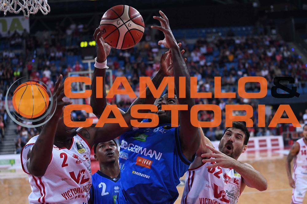 Dario Hunt<br /> VL Pesaro - Germani Leonessa Basket Brescia<br /> Lega Basket Serie A 2017/2018<br /> Pesaro, 01/10/2017<br /> Foto M.Ceretti / Ciamillo - Castoria