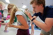 De show and shine op dinsdag, waar kinderen van de basisschool de fietsen komen bekijken. In Battle Mountain (Nevada) wordt ieder jaar de World Human Powered Speed Challenge gehouden. Tijdens deze wedstrijd wordt geprobeerd zo hard mogelijk te fietsen op pure menskracht. De deelnemers bestaan zowel uit teams van universiteiten als uit hobbyisten. Met de gestroomlijnde fietsen willen ze laten zien wat mogelijk is met menskracht.<br /> <br /> In Battle Mountain (Nevada) each year the World Human Powered Speed Challenge is held. During this race they try to ride on pure manpower as hard as possible.The participants consist of both teams from universities and from hobbyists. With the sleek bikes they want to show what is possible with human power.