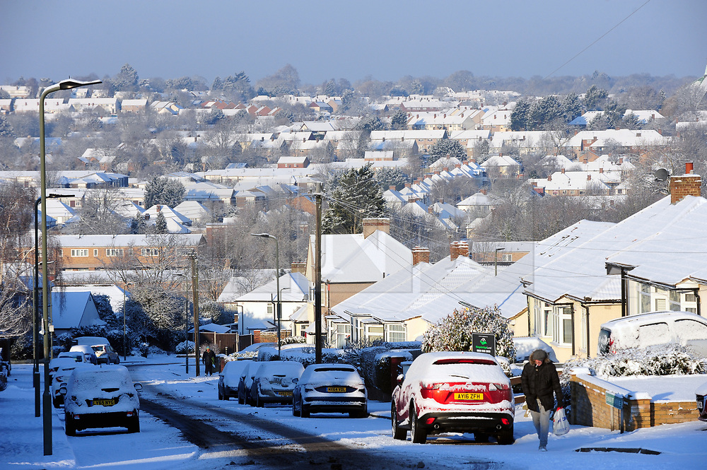 © Licensed to London News Pictures.28/02/2018<br /> Orpington, UK.<br /> More heavy snow overnight as the winter weather continues in Orpington, Kent.<br /> Photo credit: Grant Falvey/LNP