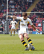 Watford, GREAT BRITAIN, Wasps' Danny CIPRIANI, taking a penalty kick, during the Guinness Premiership game, Saracens vs London Wasps. 20.04.2008 [Mandatory Credit Peter Spurrier/Intersport Images]