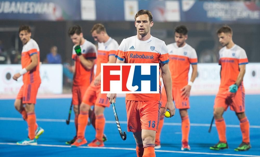 BHUBANESWAR - Mirco Pruijser (Ned) op weg naar het aangeven van de strafcorner tijdens de Hockey World League Final wedstrijd Nederland-Argentinie (3-3).  COPYRIGHT  KOEN SUYK