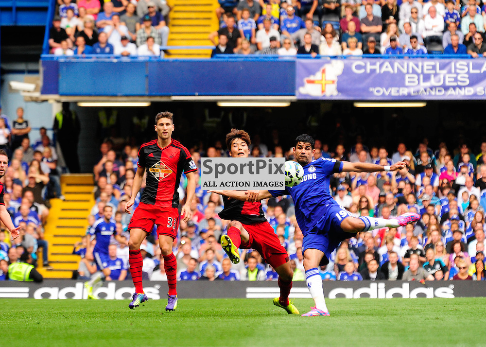 (c) Andrea Putzolu | SPORTPIX.ORG.UK<br /> Chelsea's player 19 Forward Diego Costa shooting on the goal.