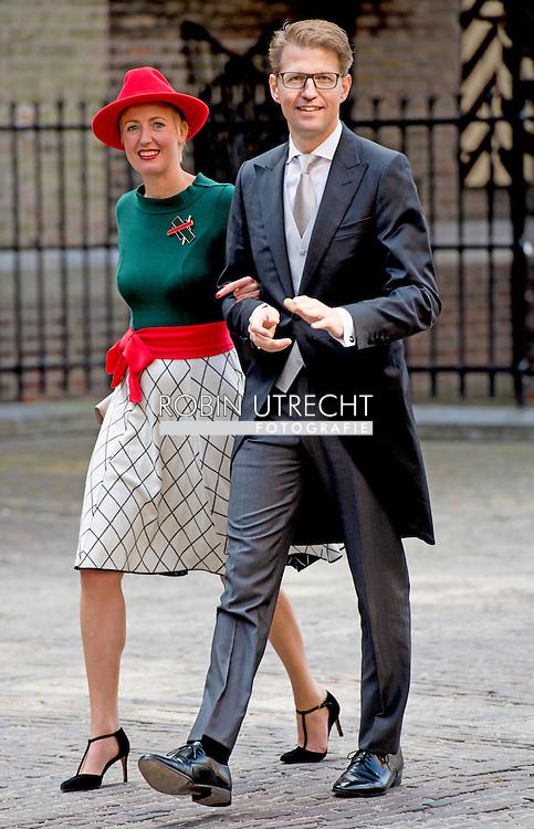 DEN HAAG - Staatssecretaris Sander Dekker van Onderwijs arriveert samen met zijn echtgenote bij de Ridderzaal op Prinsjesdag.  ROBIN UTRECHT