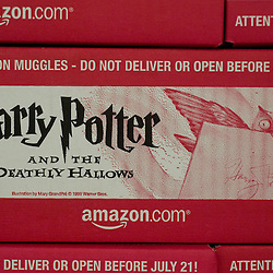 """Harry Potter and The Deathly Hallows"" at Amazon.com in Fernley, Nev. for AP (071607)"