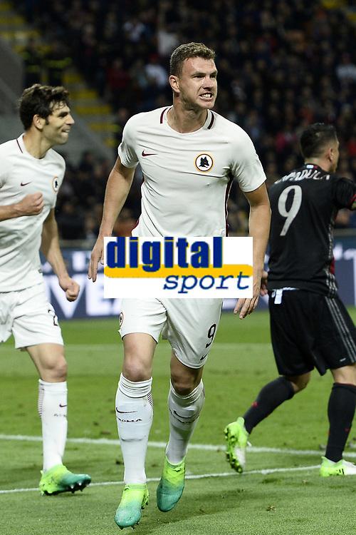 esultanza gol Edin Dzeko goal celebration<br /> Milano 07/05/2017 Stadio Giuseppe Meazza - campionato di calcio serie A, Milan-Roma, foto Image Sport/Insidefoto