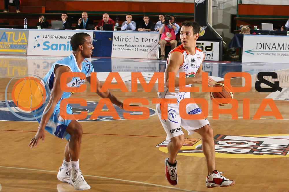DESCRIZIONE : Ferrara Lega A2 2007-08 Final Four Coppa Italia Vanoli Soresina Fileni Jesi<br /> GIOCATORE : Anthony Maestranzi<br /> SQUADRA : Fileni Jesi<br /> EVENTO : Campionato Lega A2 2007-2008 <br /> GARA : Vanoli Soresina Fileni Jesi<br /> DATA : 01/03/2008 <br /> CATEGORIA : Palleggio<br /> SPORT : Pallacanestro <br /> AUTORE : Agenzia Ciamillo-Castoria/M.Marchi