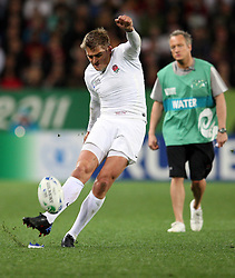 England's Toby Flood looks to kick for goal against Georgia in the Rugby World Cup pool match at Otago Stadium, Dunedin, New Zealand, Sunday, September 18, 2011. Credit:SNPA / Dianne Manson.