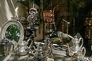 MAROC, Marrakesh: amazonite antiques shop