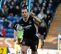 Photo: Leigh Quinnell.<br /> Leicester City v Hull FC. Coca Cola Championship. 04/03/2006. Stuart Elliott celebrates his goal for Hull.