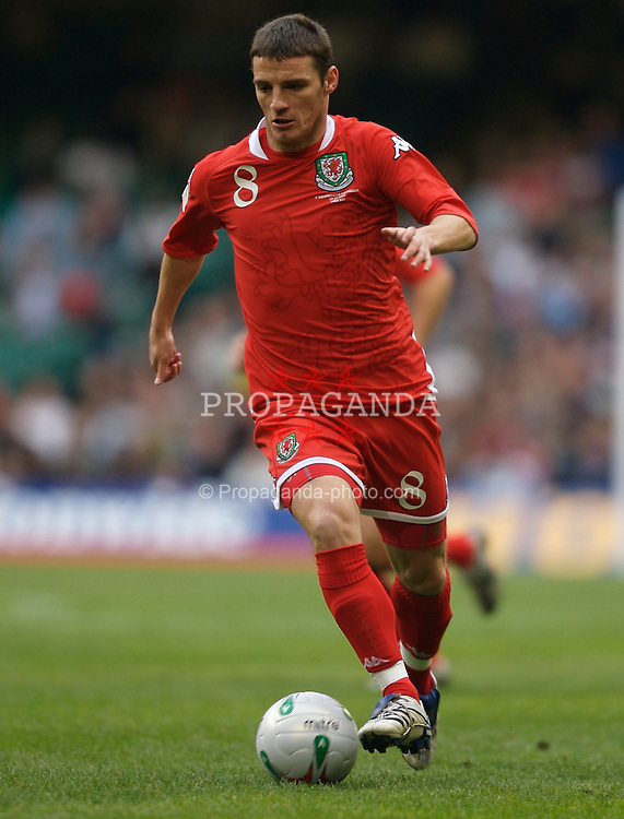 CARDIFF, WALES - Saturday, November 17, 2007: Wales' Jason Koumas in action against the Republic of Ireland during the UEFA Euro 2008 Qualifying Group D match at the Millennium Stadium. (Pic by David Rawcliffe/Propaganda)