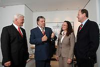21 MAY 2007, BERLIN/GERMANY:<br /> Frank-Walter Steinmeier, SPD, Bundesaussenminister, Kurt Beck, SPD Parteivorsitzender, Andrea Nahles, MdB, SPD, Vorsitzende des Forums Demokratische Linke 21, Peer Steinbrueck, SPD, Bundesfinanzminister, (v.L.n.R.), vor einem gemeinsamen Gespraech, vor der Vorstellung der drei Kandidaten fuer den Posten des Stellvertretenden Parteivorsitzenden in den SPD-Gremien durch Beck, Buero des Parteivorsitzenden, Willy-Brandt-Haus<br /> IMAGE: 20070521-01-003<br /> KEYWORDS: Peer Steinbrück, Stellvertreter, Gruppe, Gruppenfoto, Gruppenbild, Gespräch