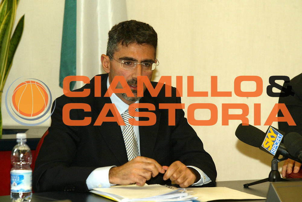 DESCRIZIONE : ROMA 23.11. 2004 CONFERENZA STAMPA ACCORDO GIBA FIP LEGA <br />GIOCATORE : CASSI  <br />SQUADRA : <br />EVENTO : CONFERENZA STAMPA FIP LEGA CONI GIBA<br />GARA : <br />DATA : 23/11/2004<br />CATEGORIA : <br />SPORT : Pallacanestro<br />AUTORE : Agenzia Ciamillo-Castoria