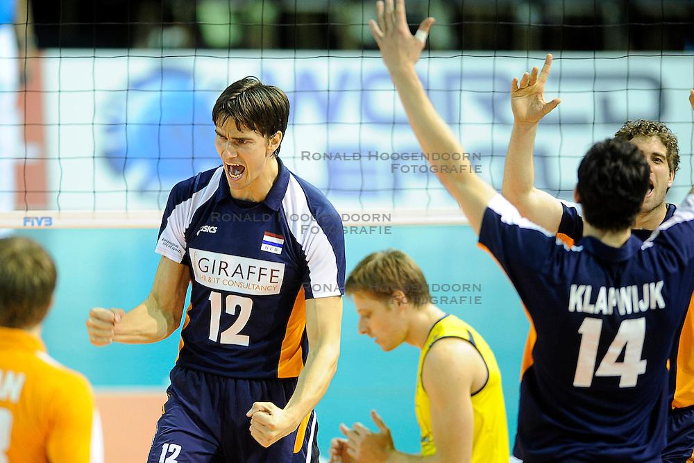 26-06-2010 VOLLEYBAL: WLV NEDERLAND - BRAZILIE: ROTTERDAM<br /> Nederland verliest met 3-1 van Brazilie / Wytze Kooistra<br /> &copy;2010-WWW.FOTOHOOGENDOORN.NL
