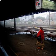 POLAND / POLONIA<br /> Desde el tren a punto de partir en la ciudad de Jastrowie<br /> Photography by Aaron Sosa<br /> Polonia 2008<br /> (Copyright © Aaron Sosa)